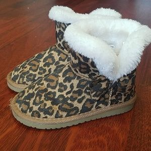Children's Place Leopard Booties
